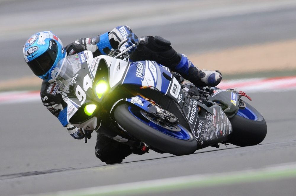 Tips for Safe Motorcycle Racing